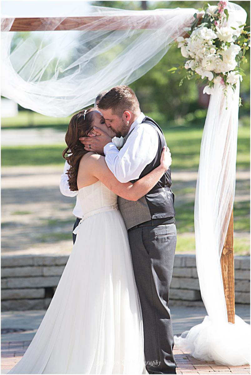 Byron-Colby-Barn-Wedding-Photos-16
